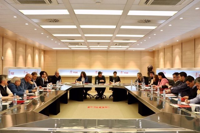 Reunión del PSOE para fijar el calendario de primarias