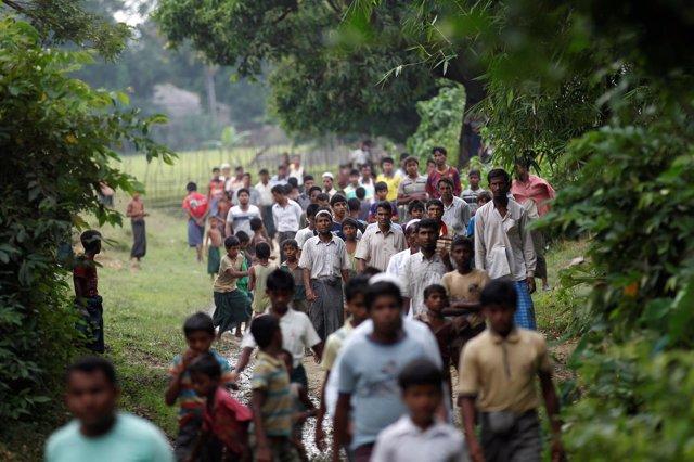 Hombres rohingya de Birmania