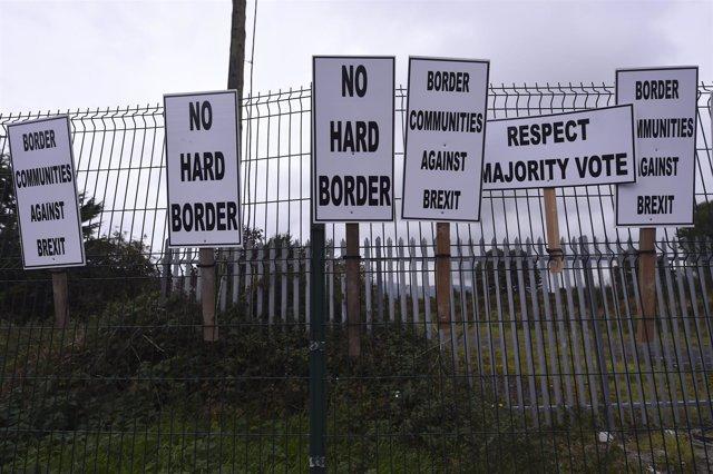 """Protesta contra la """"frontera dura"""" en Irlanda del Norte"""