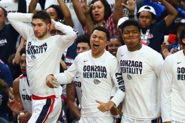 Los jugadores de Gonzaga celebran su pase a la final