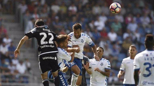 El Tenerife derrota al Oviedo y es tercero