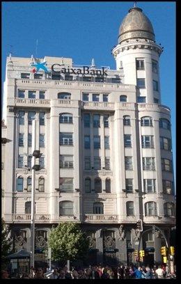 Edificio de CaixaBank en Zaragoza.