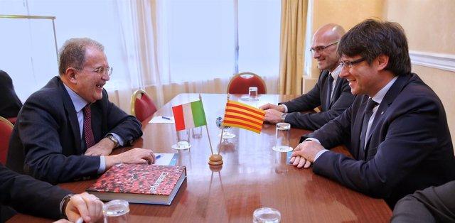 Romano Prodi, Raül Romeva y Carles Puigdemont