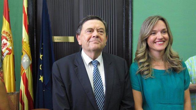 Manuel López y Pilar Alegría en su primera reunión