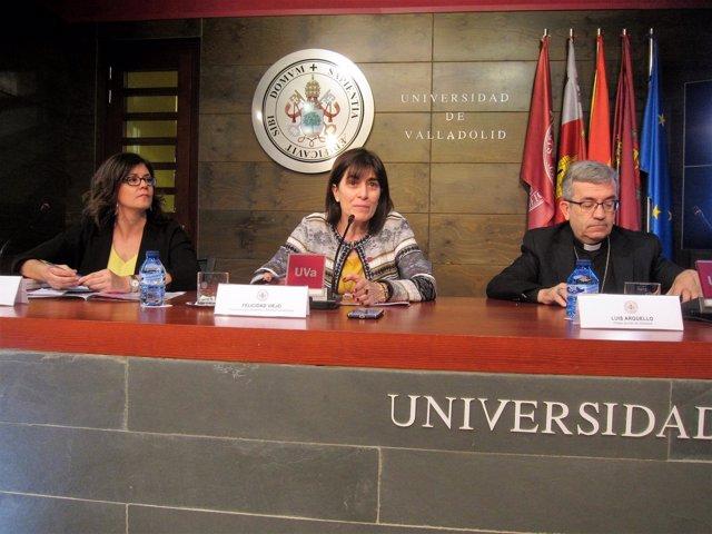 Raquel Martín (izda) , Felicidad Viejo y  Luis Javier Argüello.