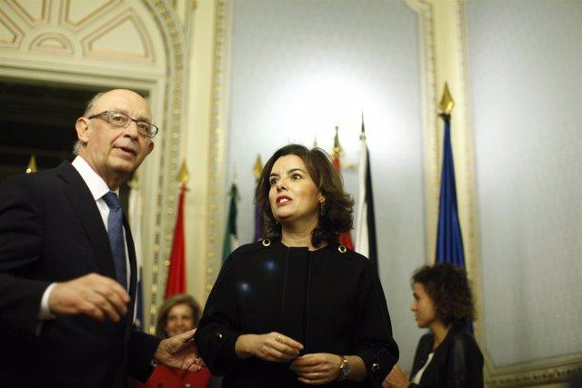 Cristóbal Montoro realiza el traspaso de competencias territoriales a Santamaría