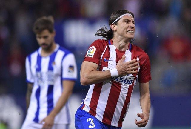 Filipe Luis celebra el triunfo del Atlético