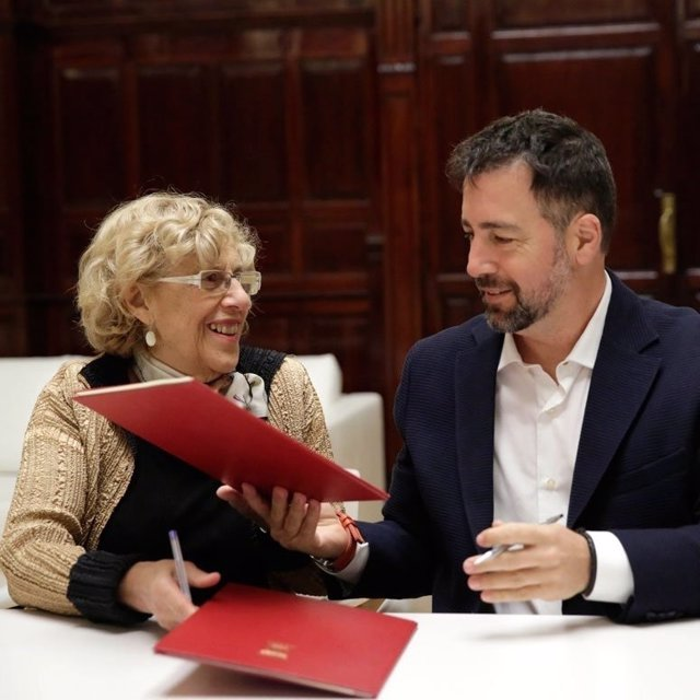 Alcaldesa de Madrid, Manuela Carmena, con alcalde de Rivas, Pedro del Cura