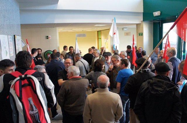 Pensionistas ocupan las oficinas de la seguridad social en vigo - Oficina seguridad social granada ...
