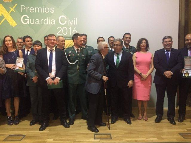 Zoido preside los Premios de la Guardia Civil 2016