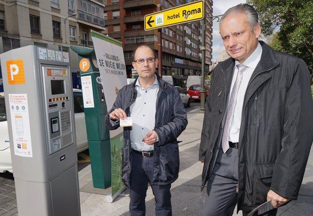 El concejal de Seguridad y Movilidad, Luis Vélez, y el gerente de Dornier