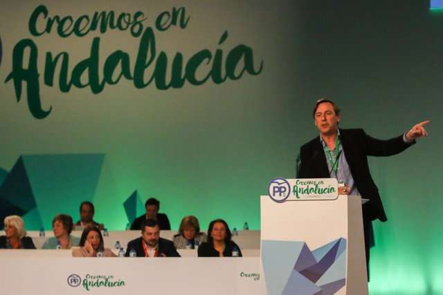Rafael Hernando interviene en el Congreso del PP-A