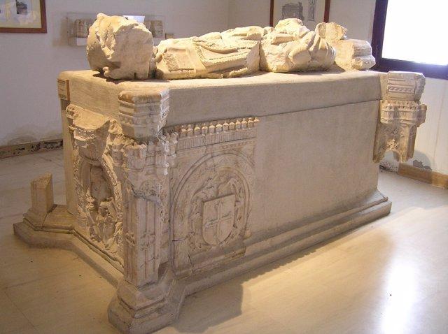 Sepulcro del arzbopispo Carrilo