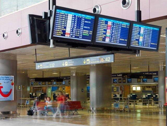 Aeropuerto Reina Sofía