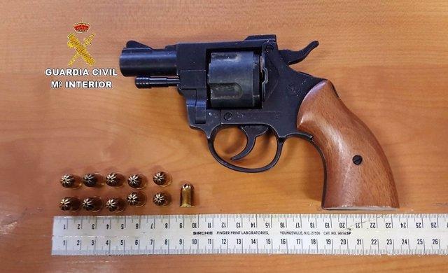 Arma simulada utilizada para amenaza en Los Barrios