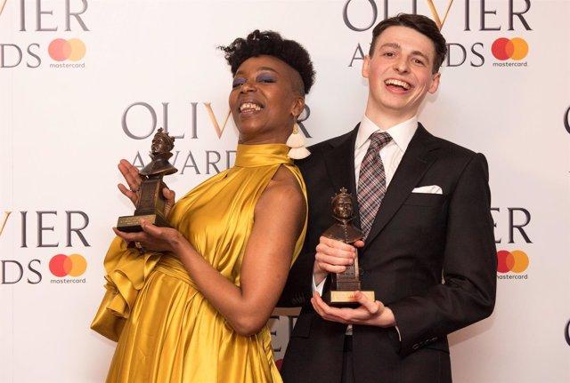 Noma Dumezweni y Anthony Boyle en los premios Oliver