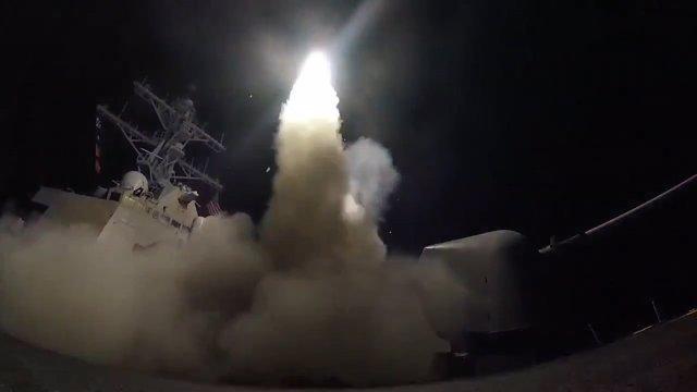 EEUU ataca con misiles una base militar en Siria
