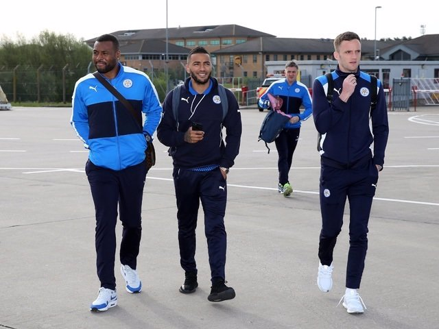 Wes Morgan, Danny Simpson y Andy King, jugadores del Leicester