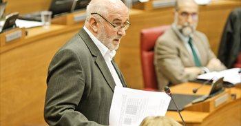 El consejero Mendoza presenta su dimisión y será sustituido por María...