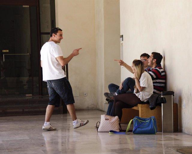 Estudiantes, alumnos, jóvenes, adolescentes, universidad, UCLM,