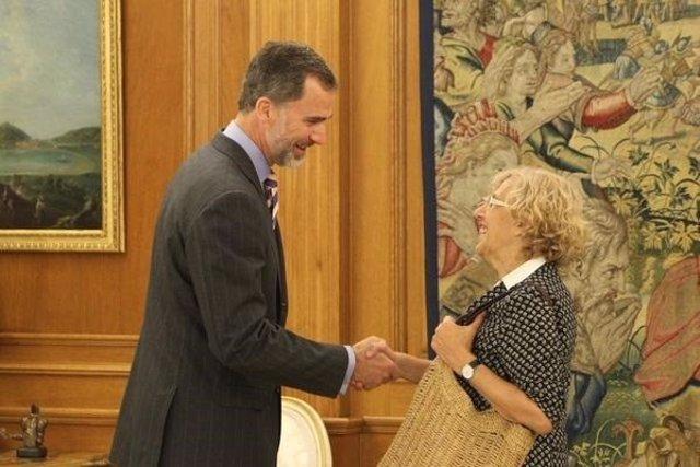 El Rey recibe a Manuela Carmena