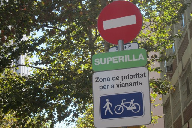 'Supermanzana' Del Poblenou De Barcelona