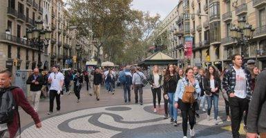 L'Ajuntament de Barcelona destinarà 161.000 euros de la taxa turística a dinamitzar les places de Gràcia (EUROPA PRESS)