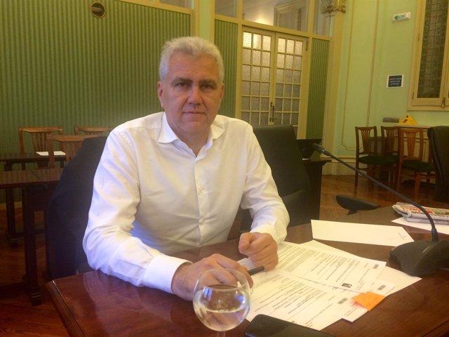Josep Melià en el Parlament