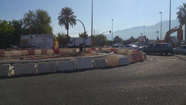 Imagen de los trabajos en la rotonda de Beniaján, en el cruce de Cuatro Caminos