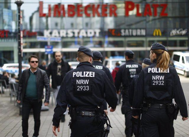 Policía en las inmediaciones del Limbecker Platz