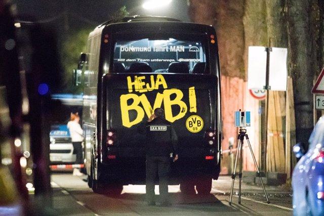 Autobús del Borussia Dortmund atacado