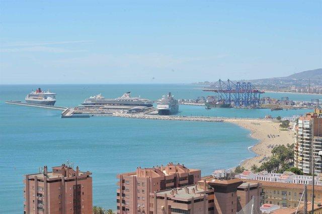 Cruceros en el puerto de Málaga