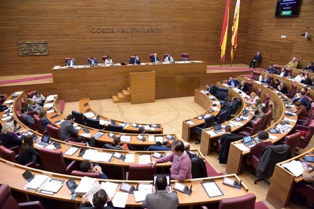 Imagen de un pleno de las Corts Valencianes