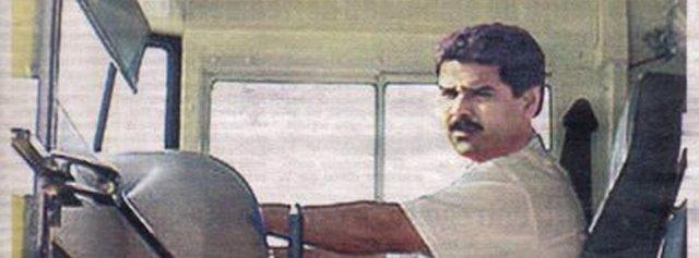 """Nicolás Maduro conduciendo el """"tramabús"""""""