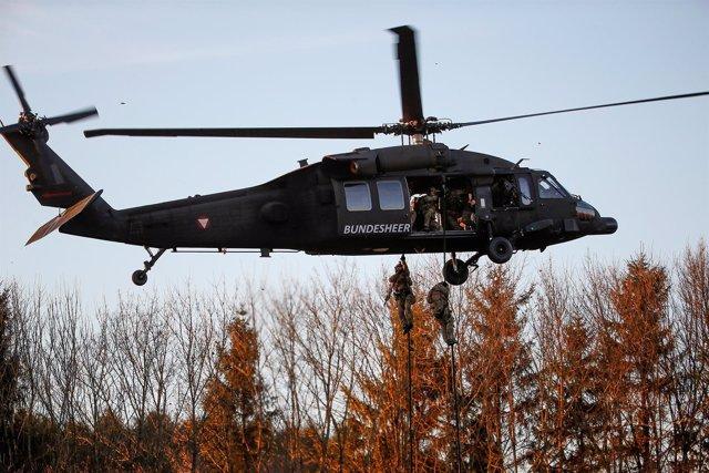 Helicóptero UH-60 'Black Hawk'