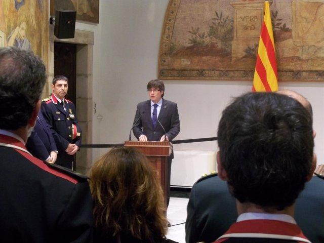 Carles Puigdemont en la toma de posesión de Trapero como 'major'
