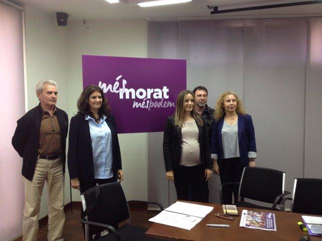 Meco junto al resto de miembros de la candidatura de 'Més morat, més Podem'