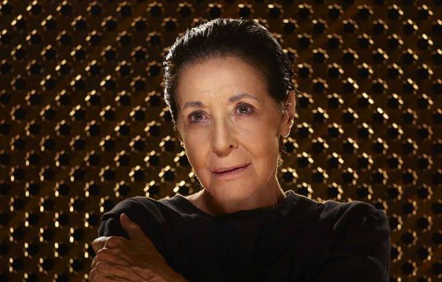 Concha Velasco en el papel de la Reina Juana
