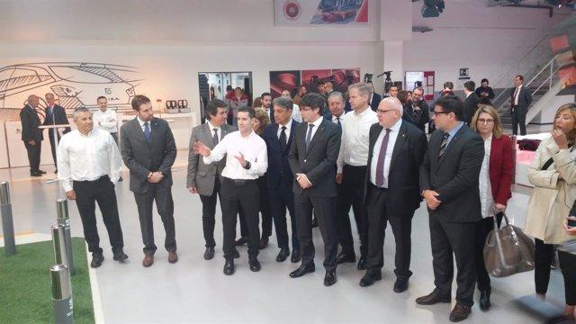 Carles Puigdemont visita las instalaciones de Seat en Martorell