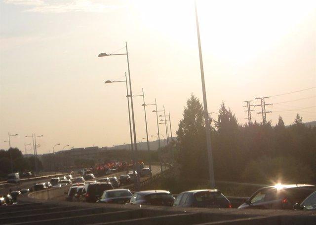 Tráfico, vehículos, atasco, carretera, circulación, turismos