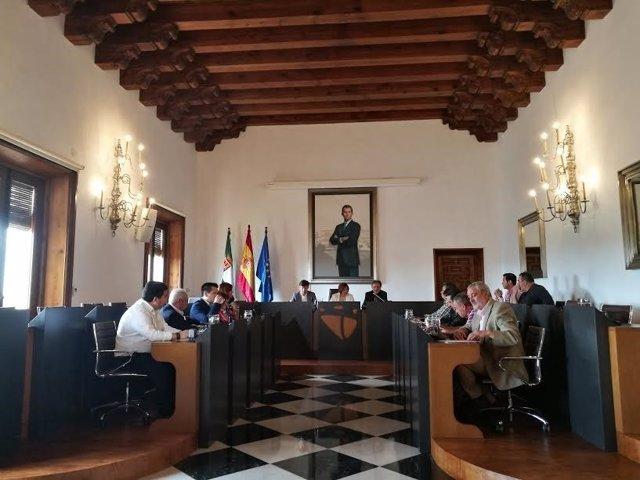 La Diputación de Cáceres firma acuerdos con los Grupos de Acción Local