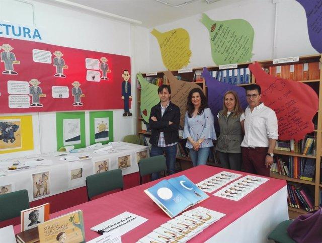 Exposición de escolares en Jimena por el Día del Libro