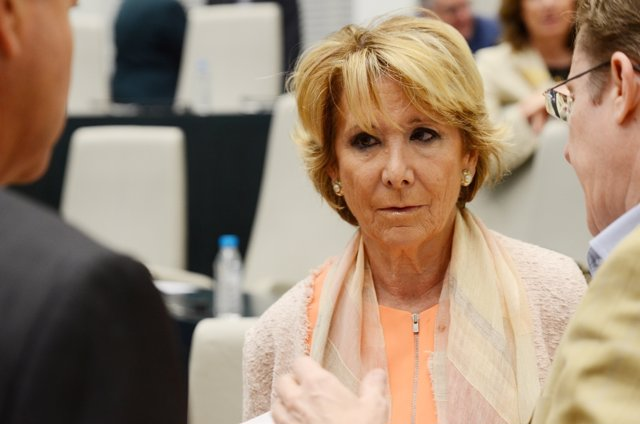 Esperanza Aguirre durante un pleno del Ayuntamiento de Madrid