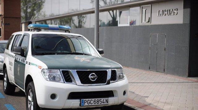 La Guardia Civil en la empresa Licuas