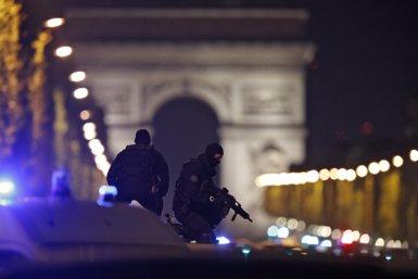 La Policia francesa busca un segon sospitós per l'atemptat de París (CHRISTIAN HARTMANN)
