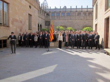 """Puigdemont i Junqueras signen el compromís de """"tot"""" el Govern amb el referèndum (EUROPA PRESS)"""