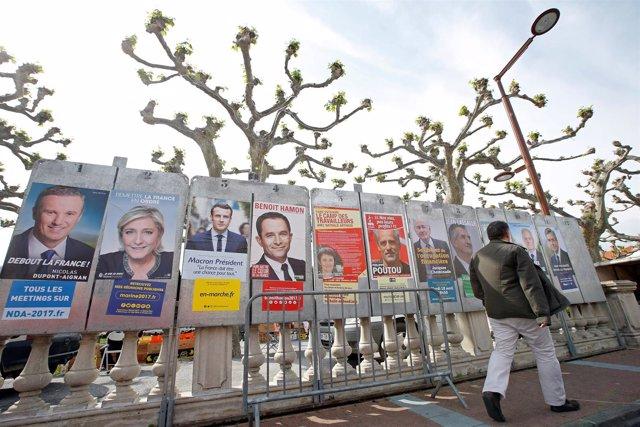 Carteles de los candidatos a las presidenciales en Francia