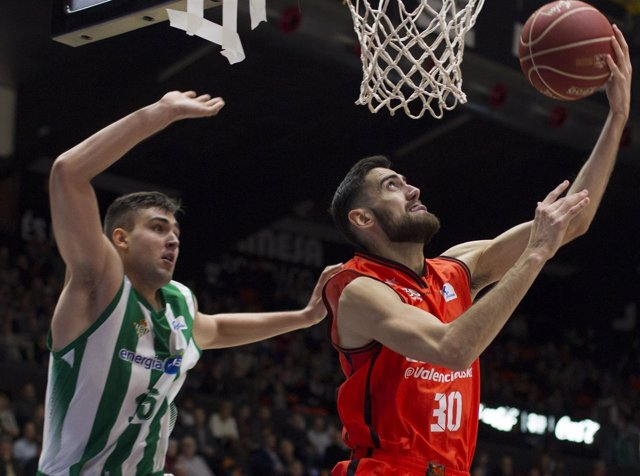 Joan Sastre Valencia Basket contra Real Betis Energía Plus