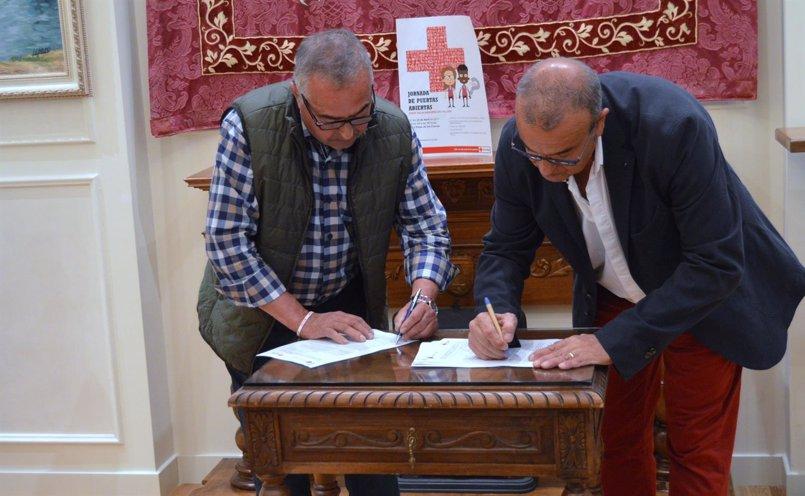 Cruz Roja Navarra y el Ayuntamiento de Falces firman un convenio de colaboración