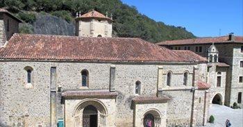 El Monasterio de Santo Toribio abre su Puerta del Perdón para dar inicio...